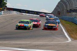Kyle Busch, Joe Gibbs Racing Toyota and Tony Stewart, Stewart-Haas Racing Chevrolet and Kyle Larson,