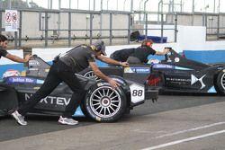 Nelson Piquet Jr., Team China Racing et Sam Bird, DS Virgin Racing