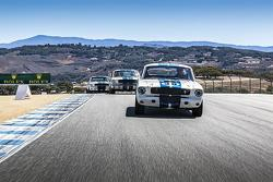 Tres importantes 350S Ford Mustang GT