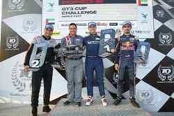 منصة التّتويج في السباق الأوّل من جولة دبي الثانية