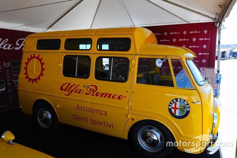 Alfa Romeo assistance van