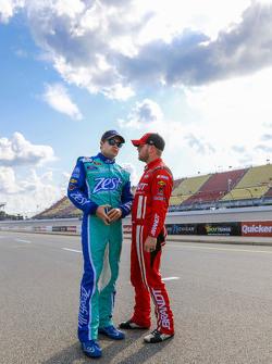 Ricky Stenhouse Jr., Roush Fenway Racing Ford ve Michael Annett, HScott Motorsports Chevrolet