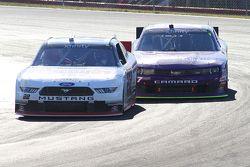 Alex Tagliani, Team Penske Ford y Regan Smith, JR Motorsports Chevrolet