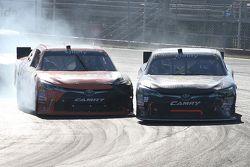 Daniel Suarez, Joe Gibbs Racing Toyota y J.J. Yeley, JGL Racing Toyota