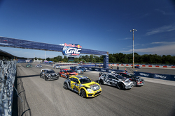 Start: Nelson Piquet Jr., SH Racing Rallycross Ford takes the lead