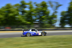 #50 BERG Racing Mazda MX5: John Weisberg