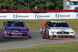Regan Smith, JR Motorsports Chevrolet y Alex Tagliani, Team Penske Ford