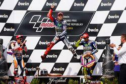Podium : Jorge Lorenzo, Yamaha Factory Racing, le deuxième, Marc Marquez, Repsol Honda Team et le troisième, Valentino Rossi, Yamaha Factory Racing