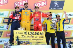 Podio: il vincitore Thiago Camilo, secondo Daniel Serra, terzo Ricardo Zonta
