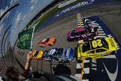 Partenza: Matt Kenseth, Joe Gibbs Racing Toyota leads