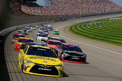 Start: Matt Kenseth, Joe Gibbs Racing Toyota, lider