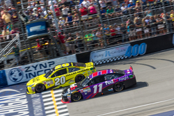 Start: Matt Kenseth, Joe Gibbs Racing Toyota ve Denny Hamlin, Joe Gibbs Racing Toyota
