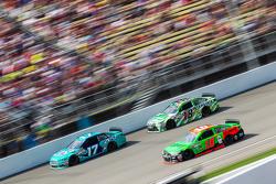 Ricky Stenhouse Jr., Roush Fenway Racing Ford, Danica Patrick, Stewart-Haas Racing Chevrolet ve Kyle