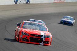 Justin Allgaier, HScott Motorsports Chevrolet et Trevor Bayne, Roush Fenway Racing Ford
