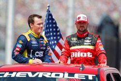 Brett Moffitt, Front Row Motorsports Ford e Michael Annett, HScott Motorsports Chevrolet