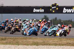 La salida: Niccolo Antonelli, Ongetta-Rivacold Honda