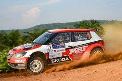 Gaurav Gill y Glenn Macneall, Skoda Fabia S2000, Team MRF