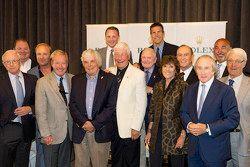 Pilotos de leyenda, primera fila: Skip Barber, Hurley Haywood, Brian Redman, Howden Ganley, moderado