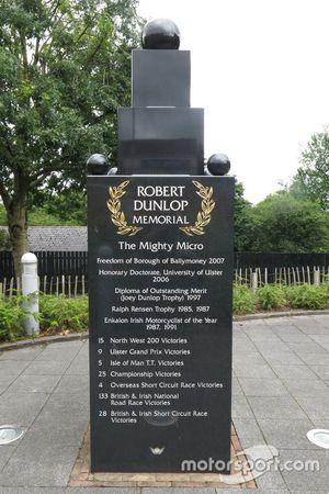 Robert y Joey Dunlop Memorial en Ballymoney, Irlanda del Norte