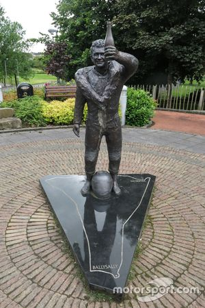Robert y Joey Dunlop Memorial en Ballymoney, Irlanda del Norte