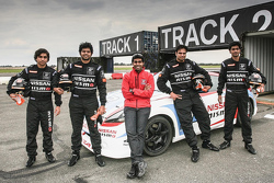 Karun Chandhok with Indian participants