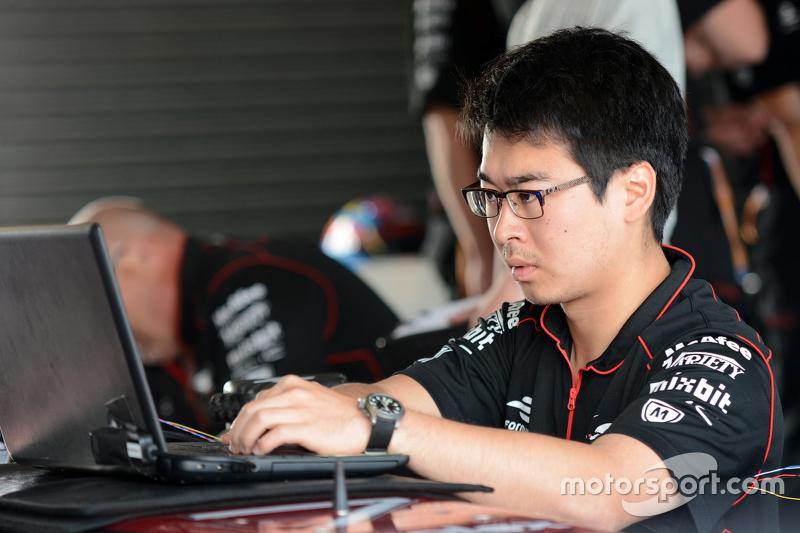 Dragon Racing engineer