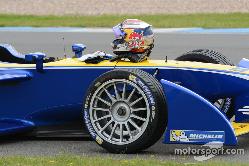 Sébastien Buemi, Renault e.Dams, pistte duruyor