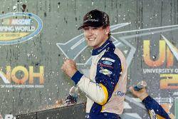 Ganador de la carrera Ryan Blaney