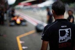 Racing Engineering pitstop için hazır
