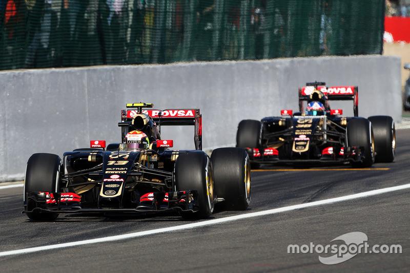 Pastor Maldonado, Lotus F1 E23, dan Jolyon Palmer, Lotus F1 E23 Test, dan Reserve Driver leave the p