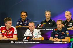 新闻发布会: Giampaolo Dall'Ara, Sauber F1 Team Head of Track Engineering; Nick Chester, Lotus F1 Team Technical Director; Andrew Green, Sahara Force India F1 Team Technical Director; James Allison, Ferrari Chassis Technical Director; Paddy Lowe, Mercedes AMG F1