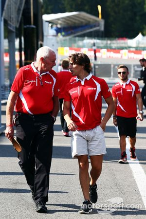 John Booth, diretor da Manor F1 Team com Roberto Merhi, Manor F1 Team