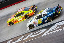Brandon Jones, Richard Childress Racing Chevrolet ve Darrell Wallace Jr., Roush Fenway Racing Ford