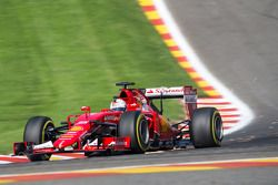 Sebastian Vettel, Ferrari SF15-T envoie des étincelles