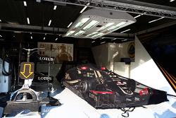 Lotus F1 E23 of Pastor Maldonado, Lotus F1 Team in parc ferme conditions