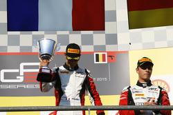 Winnaar Esteban Ocon, ART Grand Prix