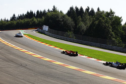 The safety car leads Alexander Rossi, Racing Engineering and Mitch Evans, RUSSIAN TIME