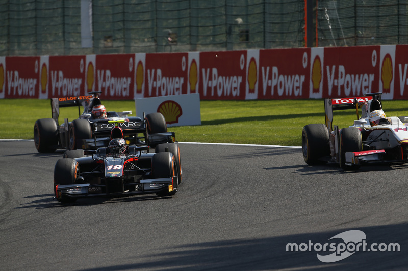 Robert Visoiu, Rapax passes Arthur Pic, Campos Racing