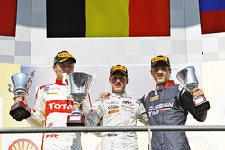 Podium: second place Arthur Pic, Campos Racing and winner Stoffel Vandoorne, ART Grand Prix and third place Artem Markelov, RUSSIAN TIME