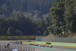 Alex Palou, Campos Racing devant Esteban Ocon, ART Grand Prix & Alfonso Celis Jr., ART Grand Prix