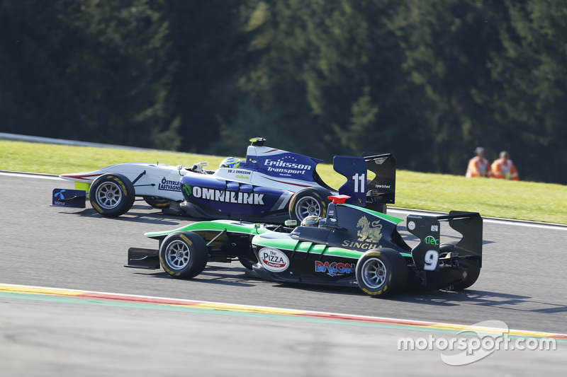 Jimmy Eriksson, Koiranen GP leads Sandy Stuvik, Status Grand Prix