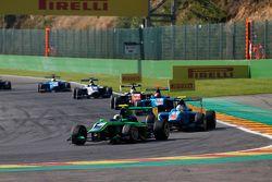 Alex Fontana, Status Grand Prix devant Matheo Tuscher, Jenzer Motorsport