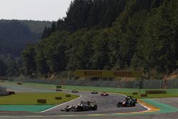 Arthur Pic, Campos Racing leads Raffaele Marciello, Trident