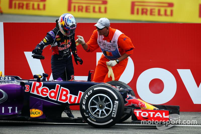 Daniel Ricciardo, Red Bull Racing RB11 tersingkir dari balapan