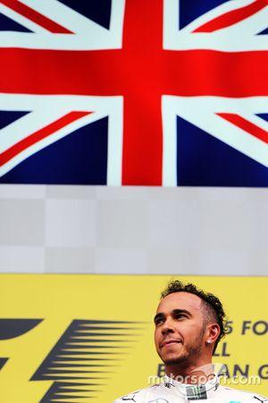 Pemenang balapan, Lewis Hamilton, Mercedes AMG F1