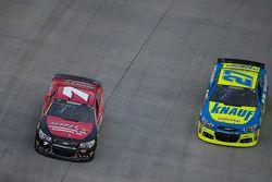 Alex Bowman, Tommy Baldwin Racing and Paul Menard, Richard Childress Racing Chevrolet