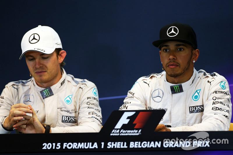 FIA Basın Konferansı,: Nico Rosberg, Mercedes AMG F1 ve takım arkadaşı Lewis Hamilton, Mercedes AMG