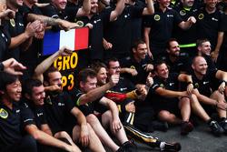 Romain Grosjean, Lotus F1 Team fête sa troisième place avec l'équipe