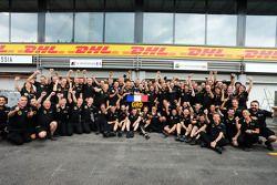 Ромен Грожан, Lotus F1 Team празднует свое третье место с командой