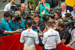 Lewis Hamilton, Mercedes AMG F1 with Will Buxton, NBC Sports Network TV Presenter